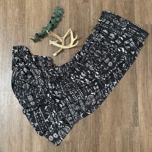 Mossimo, long Aztec print black skirt. Small.